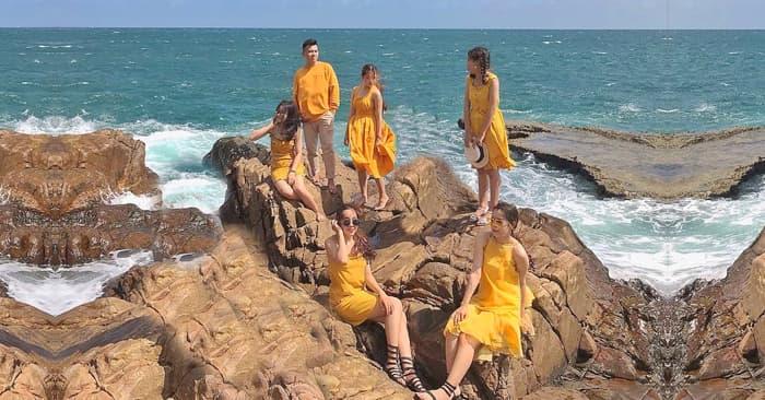Tour du lịch đảo Bình Hưng 2 ngày 2 đêm
